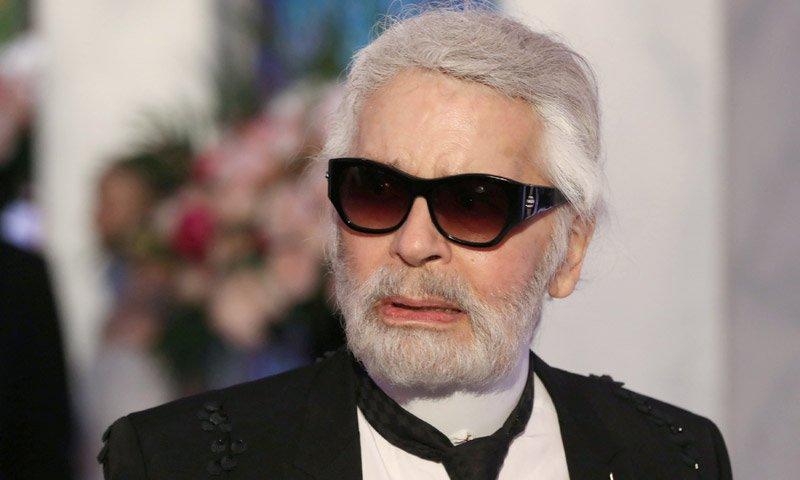 Fallece Karl Lagerfeld diseñador de modas